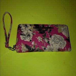 🌸Pink Floral a Betsey Johnson Wallet🌸